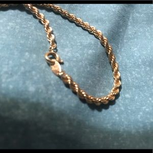 """VINTAGE gold tone rope 17"""" chain necklace."""